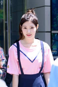 dedicated to female kpop idols. Kpop Girl Groups, Korean Girl Groups, Kpop Girls, Korean Beauty, Asian Beauty, Jung Chaeyeon, Kpop Outfits, Celebs, Celebrities