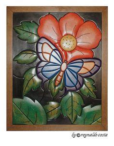 BORBOLETA - Quadro em madeira de 3 e 6mm de espessura, alto relevo - Estilo Intarsia (Marchetaria) - Medida 40cm x 50cm.