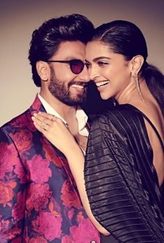 Deepika Padukone and Ranveer Singh are undoubtedly the most powerful couple of Bollywood . Celebrity Couple Costumes, Black Celebrity Couples, Celebrity News, Couple Goals, Couple In Love, Deepika Ranveer, Deepika Padukone Style, Bollywood Couples, Bollywood Stars