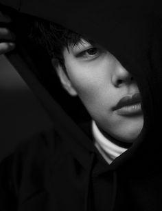 Ryu Jun Yeol - Harper's Bazaar Magazine February Issue Korean Face, Korean Men, Korean Actors, Drama Korea, Korean Drama, Ryu Joon Yeol, Kim Jung, Japanese Drama, Kpop