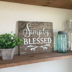 Pallet Crafts, Pallet Art, Pallet Signs, Wooden Crafts, Pallet Ideas, Pallet Painting, Diy Pallet, Rustic Signs, Wooden Signs