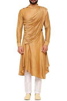 Mens Indian Wear, Indian Men Fashion, Groom Fashion, Fashion Men, Gents Kurta Design, Boys Kurta Design, Western Outfits, Indian Outfits, Wedding Kurta For Men