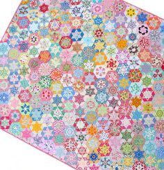 Red Pepper Quilts: Hand Pieced Hexagon Star Quilt - divine!