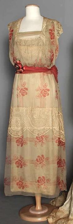 1914 red floral printed chiffon dress