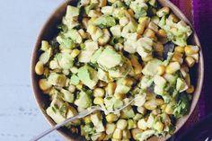 Веганский Нежданчик: Салат из авокадо и кукурузы