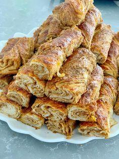 HAŞHAŞLI KAT KAT BURMA ÇÖREK Turkish Recipes, Italian Recipes, Turkish Sweets, Turkish Kitchen, Fish And Meat, Fresh Fruits And Vegetables, Seafood Dishes, French Toast, Bacon
