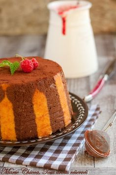 SANS GLUTEN SANS LACTOSE: Charlotte au chocolat et coulis de framboises sans gluten et sans lactose