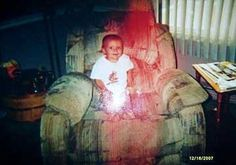 27 Scary Pics and Paranormal Photos - Creepy Gallery Scary Photos, Creepy Pictures, Ghost Images, Ghost Photos, Real Ghost Pictures, Paranormal Pictures, Paranormal Videos, Ghost Caught On Camera, Ghost Caught On Tape