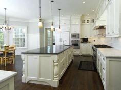 Kitchen Design - Beautiful and Gracious Georgian Colonial House