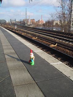 Gnome waiting for S-Bahn Train over at Treptower Park