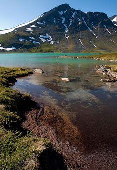 Glacial lake in Sarek National Park, Lapland, Sweden (by Johan Assarsson).