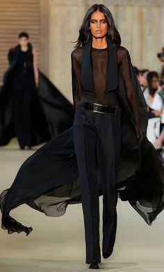 Stephane Rolland….She is putting out Power, Confidence, and an ounce of Sexiness in this outfit. Love it.