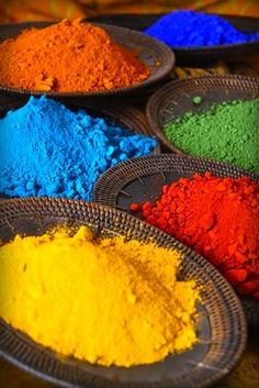 Colored rainbow powder