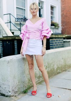 Pandora Sykes Shows Us How To Rock Ruffles (Le Fashion) Pandora Sykes, Pink Outfits, Summer Outfits, Denim Mini Skirt, Mini Skirts, Streetwear, On Repeat, Spring Trends, White Denim