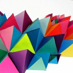 community sculpture, pre cut templates from card stock, pre cut triangles from colorful paper. kids glue together the triangles, glue on the colorful paper Origami Paper, Diy Paper, Paper Art, Paper Crafts, Diy Crafts, 3d Origami, Geometric Origami, Modular Origami, Do It Yourself Inspiration