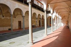 Women' cloister of the Ospedale degli Innocenti | Florence, Italy