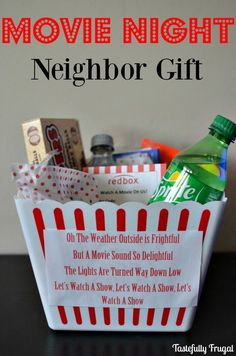 Gift idea for the movie night neighbor - Frug .- Idea de regalo para el vecino de la noche de película – Frugal con buen gusto, Gift idea for the neighbor of the movie night – Frugal with good taste, - Christmas Movie Night, Neighbor Christmas Gifts, Cheap Christmas Gifts, Simple Christmas, Christmas Diy, Family Christmas Gifts, Holiday Gifts, Santa Gifts, Christmas Presents For Neighbors
