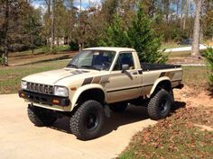 '82 Toyota Pickup Toyota Pickup 4x4, Toyota Trucks, Toyota Cars, Toyota Hilux, Tacoma Truck, Jeep Truck, Chevy Trucks, Pickup Trucks, Mini Trucks