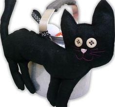 Vinttikamarista ja verstaalta: Noidan kissa