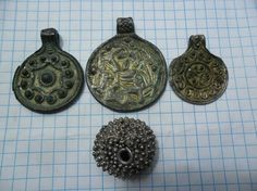 Treasure of silver woman jewelry, centuries. Norse Pagan, Old Norse, Norse Mythology, Viking Jewelry, Ancient Jewelry, Old Jewelry, Ancient Vikings, Norse Vikings, Norse People