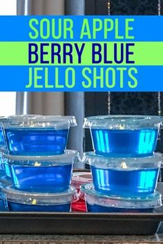 This sour apple blue jello shots recipe is delicious! Made with sour apple pucker, berry blue jello and vodka (optionally), it's really easy to make and tastes delicious. Perfect for any kind of party! Alcohol Jello Shots, Cherry Jello Shots, Blue Hawaiian Jello Shots, Lemonade Jello Shots, Easy Jello Shots, Margarita Jello Shots, Making Jello Shots, Jello Shot Recipes, Alcohol Drink Recipes