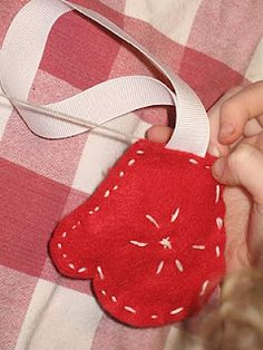 Super-easy sewn Christmas ornaments for kids.