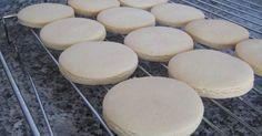 İkinci tarif yapıldı. 160 derece ışınmış fırında 30 dk. da pişiyor. Zeytin Dalı Blog: şeker hamurlu kurabiye tarifi