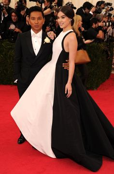 Hailee Steinfeld with Prabal Gurung at the 2014 Met Ball