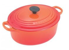 Cocotte ovale Le Creuset  http://www.homelisty.com/cuisine-style-bistrot/