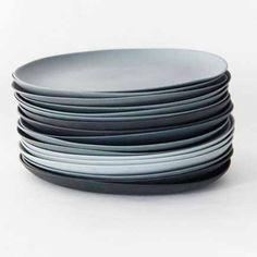 Online @ SOOO.nl: prachtige ronde borden van porselein voor een mooi gedekte tafel.