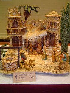 The materials to build the crèches, according to Neapolitan tradition, they are wood and cork, subsequently all over is painted, sometimes the cor… Nativity Crafts, Christmas Nativity, Christmas Art, Christmas Decorations, Old World Style, Bird Houses, Diy And Crafts, Projects To Try, Miniatures