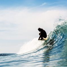 Surf Life: cbssurfer:   Cross paths with Jen Smith… find her...