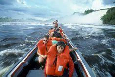 Tourists in boat Boat, America, Travel, Venezuela, Dinghy, Viajes, Boats, Trips, Traveling