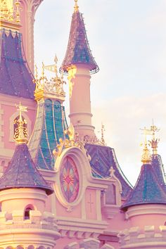 Disneyland is always a good idea. Disneyland is always a good idea. The post Disneyland is always a good idea. appeared first on Pink Unicorn. Disney Love, Disney Magic, Disney Art, Walt Disney World, Disney Pixar, Disney Bound, Disneyland Paris, Disneyland Castle, Chateau Disney
