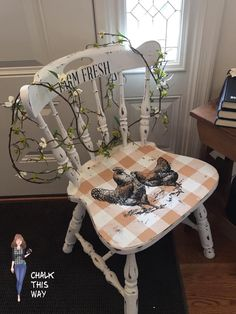 Shabby Chic Furniture In a family room, try to arrange your furniture into centers. Paint Furniture, Furniture Projects, Furniture Making, Furniture Makeover, Furniture Design, Repurposed Furniture, Shabby Chic Furniture, Painted Chairs, Country Decor