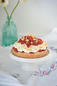 Erdbeer-Schmand-Törtchen mit Streuseln / Erdbeer-Torte / Strawberry Cake