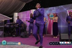 AvalancheLagos sets the atmosphere for worship as we sing ♫Why do you cry?♫ @kirkfranklin #AvalancheLagos #PraiseandLove #HappyEaster #RaisedTogether