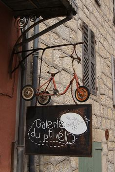 gallery in Banon, France