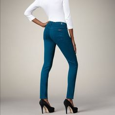 "7 For All Mankind Skinny jeans 7 For All Mankind ""Slim Illusion""skinny ankle jeans in Nautical Teal, size 28. The ""Slim Illusion"" is very slimming and flattering on the tummy. These have been worn 2 or 3 times and washed. They fit great like a true 28 and are a stretchy comfortable fabric. 7 for all Mankind Jeans Skinny"