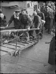 british troops await evacuation from the beaches of dunkirk france may 1940 wwii on the. Black Bedroom Furniture Sets. Home Design Ideas