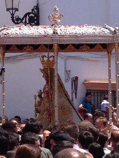 Procesión de la Virgen del Rocío por las calles de Almonte #5deMayo