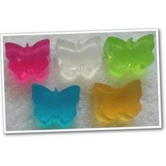 Butterfly Soaps x 10 ~ Novelty - SLS FREE      Handmade moisturising, glycerine Butterfly soaps with a variety of fragrances to choose from and are great for kiddies bath time fun.    The colour will match the fragrance, but if you would like a specific colour, then please let us know.    You will receive 10 Butterfly soaps.    SLS and Paraben Free.