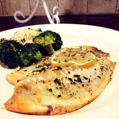Rosemary Lemon Tilapia.  If you like indulging in rosemary, this recipe is for you.  However, I think I overdid it with the seasoning so it didn't turn out like I thought it would. Baked Tilapia Lemon, Grilled Tilapia, Fodmap Recipes, Lemon Recipes, Healthy Recipes, Clean Eating Recipes, Healthy Eats, Crab Dishes, Seafood Dishes