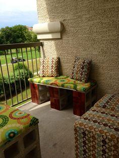 Super Apartment Balcony Bench Cinder Blocks Ideas - All About Balcony Diy Home Furniture, Balcony Furniture, Cool Furniture, Cinder Block Furniture, Cinder Block Bench, Cinder Blocks, Balcony Bench, Patio Bench, Home Decor