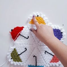 This Pin was discovered by Cem Knit World, Rainbow Crochet, Knitted Baby Clothes, Crochet Crafts, Paper Piecing, Crochet Flowers, Crochet Stitches, Baby Knitting, Hair Pins