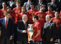 "Players were received by King Juan Carlos and other members of the Spanish royal family. Offering his congratulations, the king told the team: ""You have made the entire country happy."""