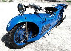 Stunning design which is reminiscent of speed trial bikes found on Bonneville salt flats.