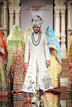 Abu Jani & Sandeep Khosla. IBFW 15'. Indian Couture. Sherwani For Men Wedding, Wedding Dresses Men Indian, Wedding Outfits For Groom, Sherwani Groom, Mens Sherwani, Indian Wedding Wear, Wedding Dress Men, Indian Men Fashion, Mens Fashion Wear