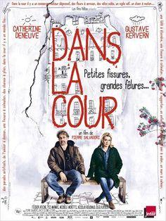En un patio de París - Filmaffinity