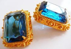 Vintage and Antique Jewelry ~ Collectibles by cherrylippedroses Antique Earrings, Antique Jewelry, Vintage Jewelry, Vintage Costume Jewelry, Vintage Costumes, Thing 1, Swarovski Stones, Faux Stone, Vintage Glamour